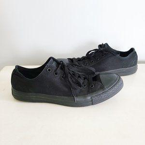 Converse low top monochrome unisex sneakers